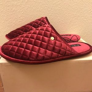 BCBGeneration Ladies Slippers Size XL